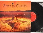 Dirt, Columbia, COL 472330, 1992 Rare European (Made in Holland)1992 release. Condition vinyl:NearMint, a few very thin lines that are inaudible Condition inner sleeve: Excellent, few creases and fingerprints Condition sleeve: NearMint € 80,-